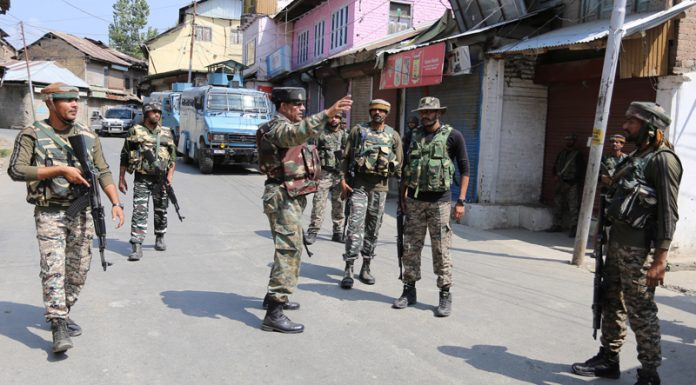 Troops during encounter with militants at Sopore on Thursday. —Excelsior/Aabid Nabi