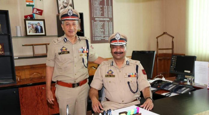 Dilbag Singh taking charge of new DGP of Jammu and Kashmir on Friday. —Excelsior/Shakeel