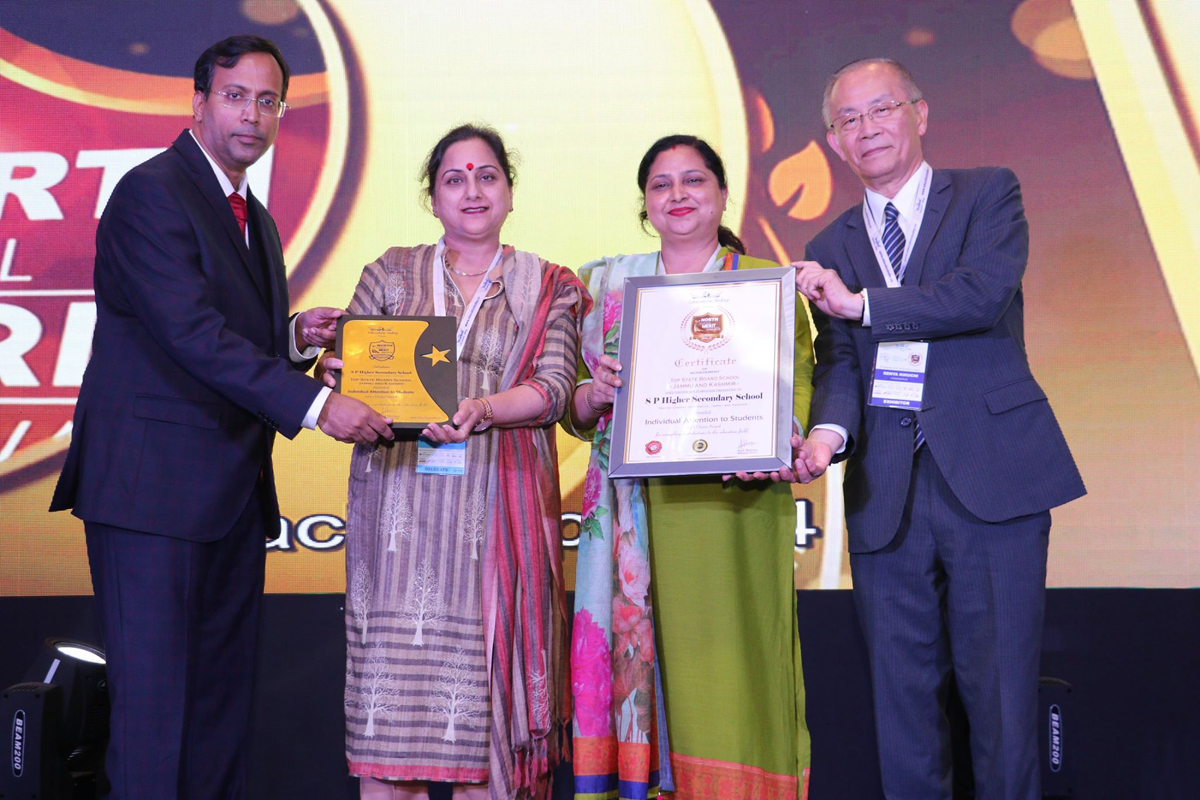 Harpreet Kour and Preetika Abrol of Carmel Convent receiving prestigious Award.