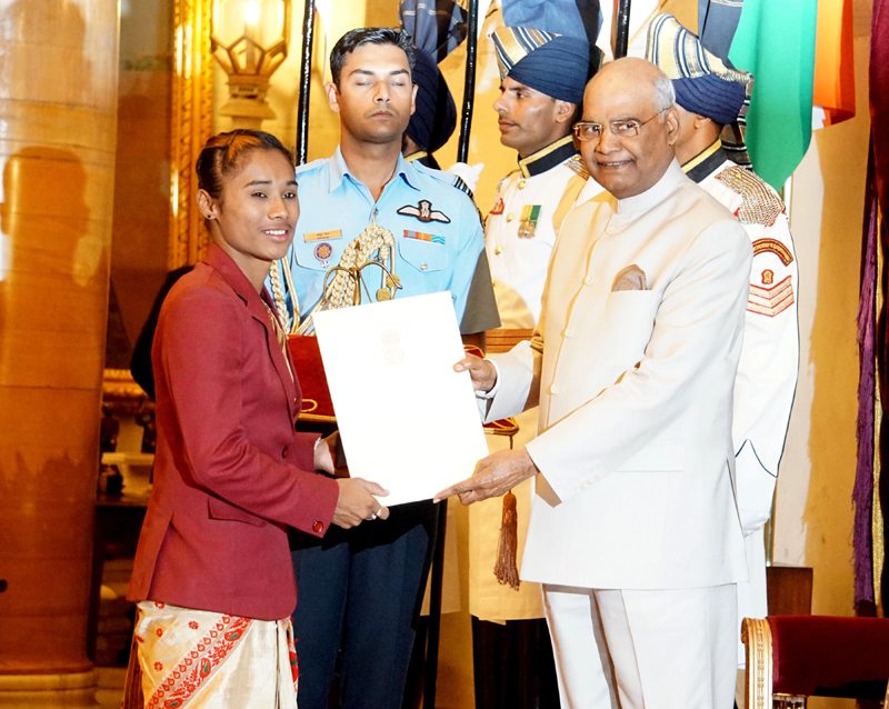 President Ramnath Kovind presenting the Arjuna Award-2018 to Hima Das in recognition of her outstanding achievements in the sport of Athletics during the presentation of Sports and Adventure Award-2018 at Rashtrapati Bhavan in New Delhi on Tuesday. (UNI)