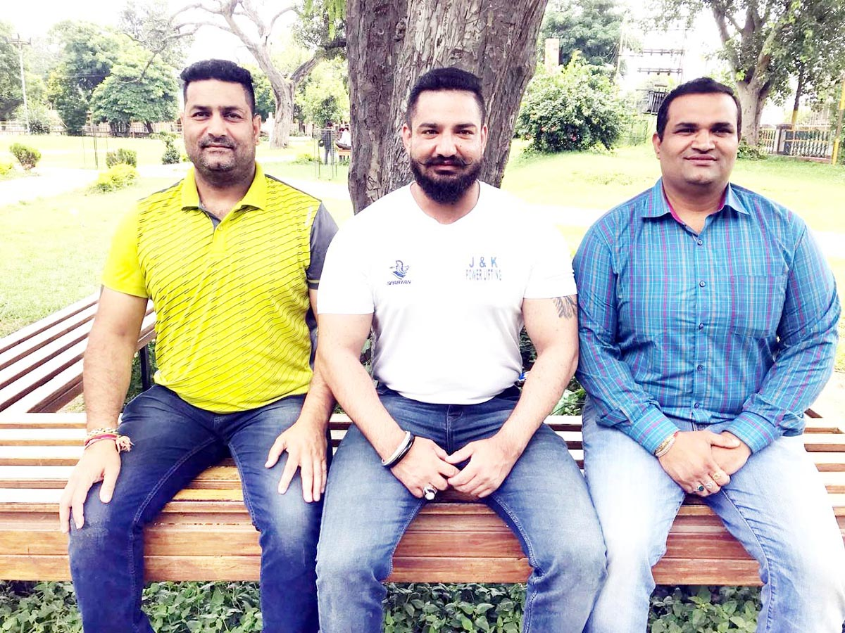 Adil Ashraf along with prominent office bearers of J&K Power Lifting Association.