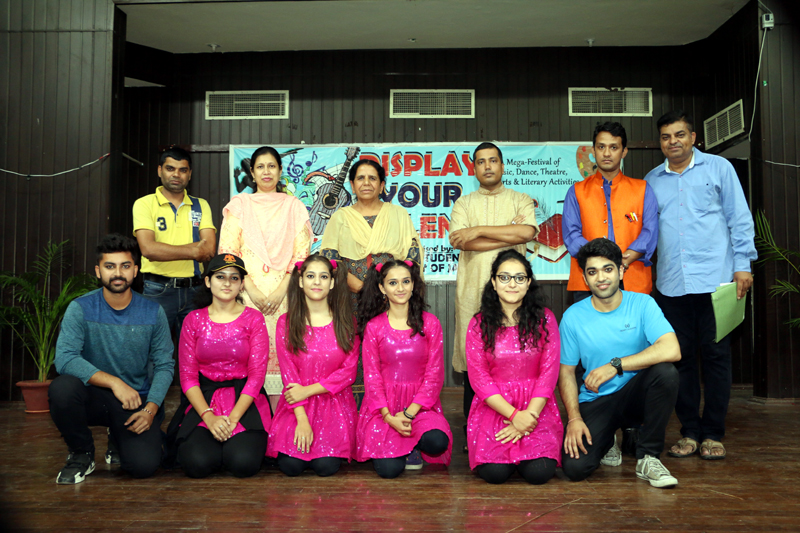 Winners of Skit competition during 'Display Your Talent' posing for a group photograph along with dignitaries at JU on Tuesday.