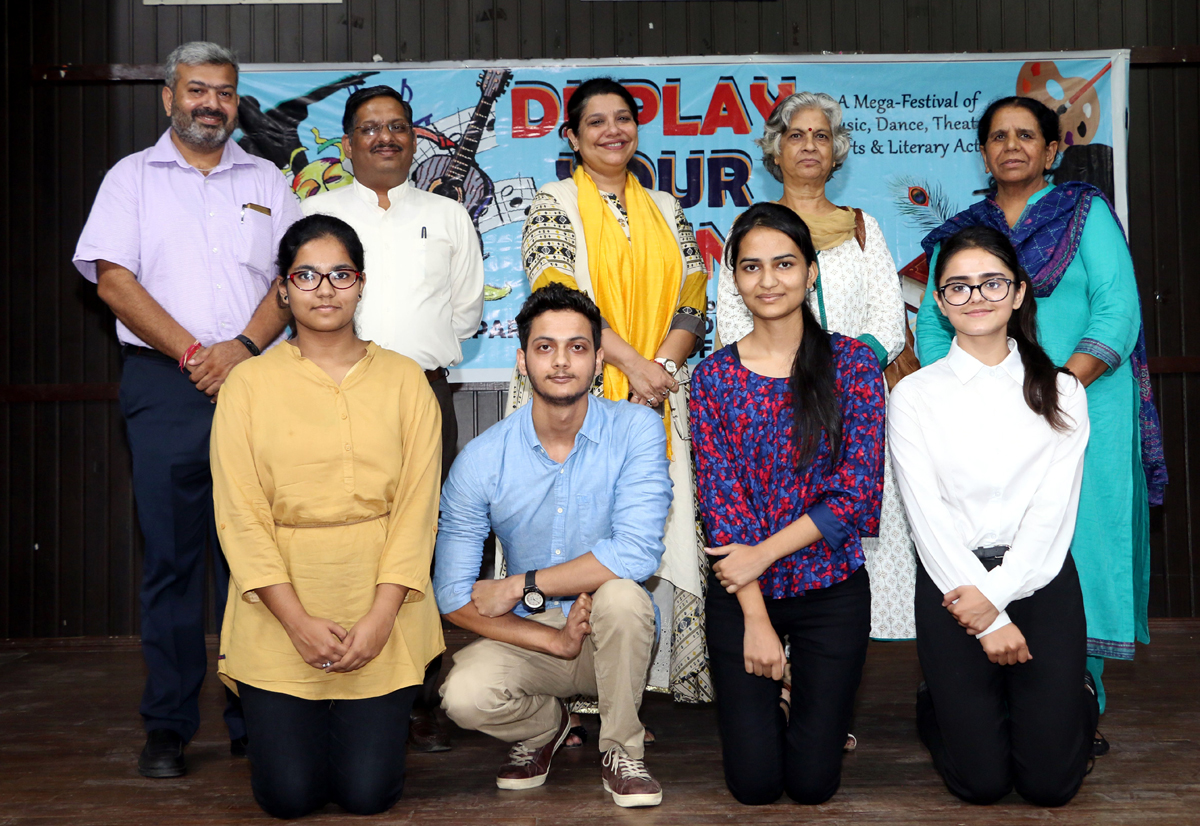 Winners posing along with dignitaries during Display Your Talent contest at JU.