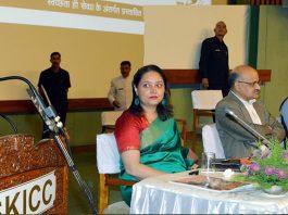 Governor S P Malik addressing officers on the launch of Swachhata Hi Seva at Srinagar on Saturday.