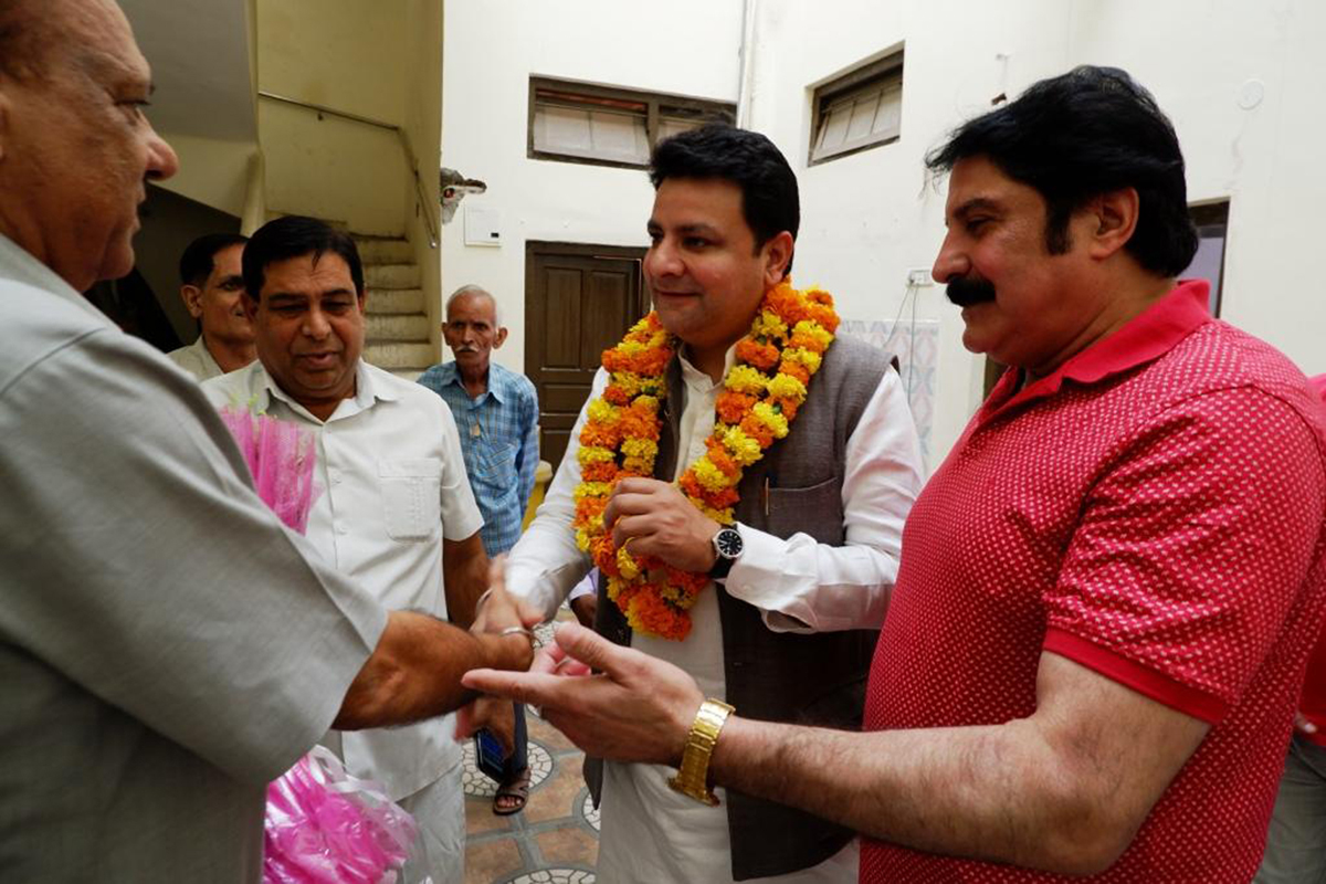 AICC Secy, Sudhir Sharma being received by Cong leaders in Jammu on Saturday.