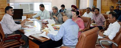 Advisor Khurshid Ahmed Ganai interacting with a delegation in Jammu on Monday.