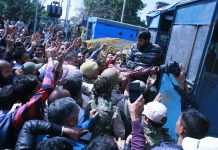 Protesting teachers being detained in Srinagar on Sunday. — Excelsior/Shakeel