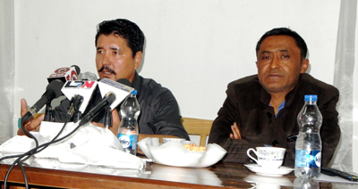 PDP Leh President Advocate Tashi Gyalson interacting with media persons at Leh. —Excelsior/Morup Stanzin