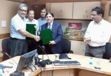 Officers of JK Bank and Jamia Hamdard during signing of MoU.