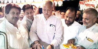 AICC Secy Shakeel Ahmed inaugurating party office in Gandhi Nagar Constituency.