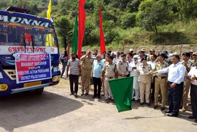 DIG DKR range Rafiq-ul-Hassan flagging off students for Bharat Darshan tour from DPL Ramban.
