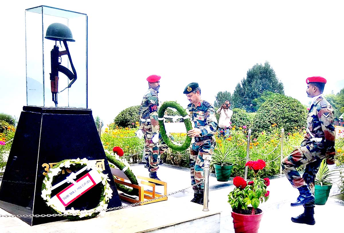 GOC Delta Force, Maj Gen Rajiv Nanda laying wreath at War Memorial near Batote on Thursday.