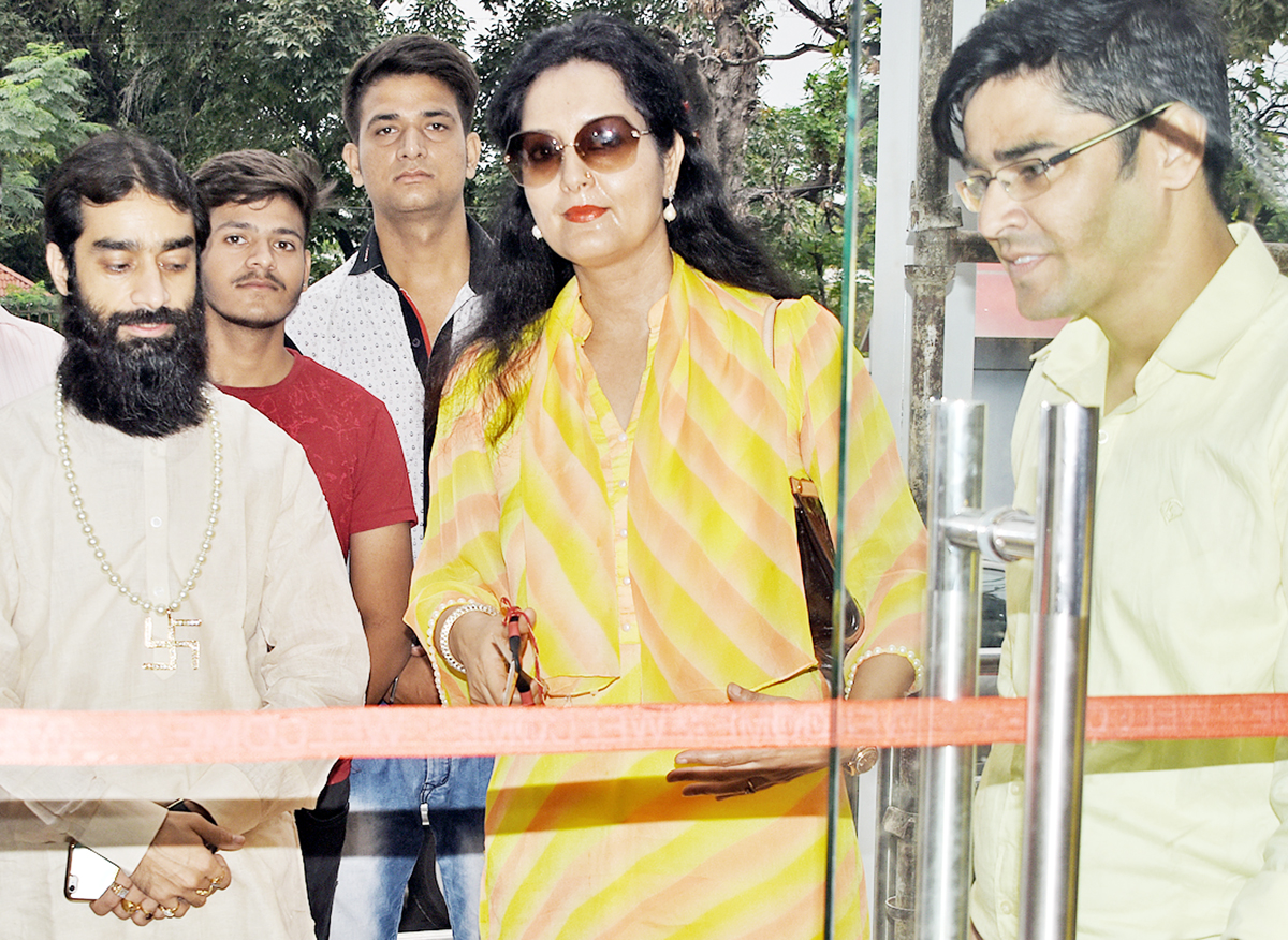 Westside Jammu being inaugurated by its Director, Arti Chowdhary on Saturday.
