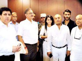 MLA Gandhi Nagar Kavinder Gupta, BJP Chief Spokesperson Advocate Sunil Sethi and officials of 'Affinity' posing for group photograph.