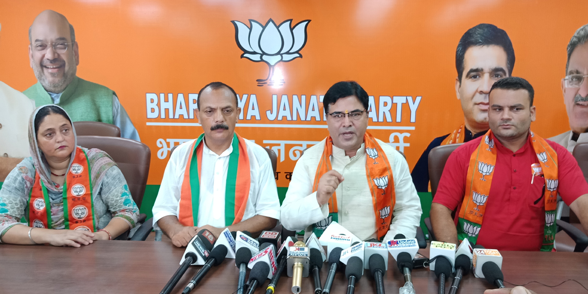 BJP vice president and MLC Girdhari Lal Bhat and Displaced district president, Chand Ji Bhat at a press conference at Jammu on Thursday.