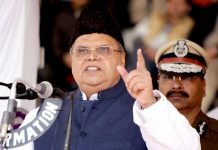 Governor Satya Pal Malik addresses Police Commemoration day at Zewan in Srinagar on Sunday. —Excelsior/Shakeel