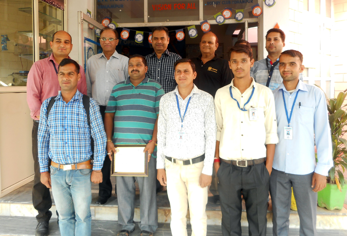 Members of Rotary Club, Udhampur and others posing for a group photograph.