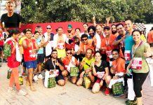 Athletes from JRG and JAC posing for agroup photograph after excelling in Airtel Delhi Half Marathon.