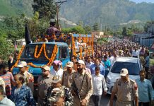 Thousands of people participating in funeral of martyr Kamal Kishore at Reasi on Thursday. —Excelsior/Karandeep Singh