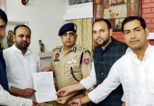 JKPCC & PYC joint delegation submitting memorandum to DGP, Punjab Police at Chandigarh.