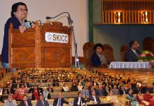 Chief Justice Gita Mittal speaking at the concluding function of 3-day State-level Mediation Workshop at SKICC on Sunday.