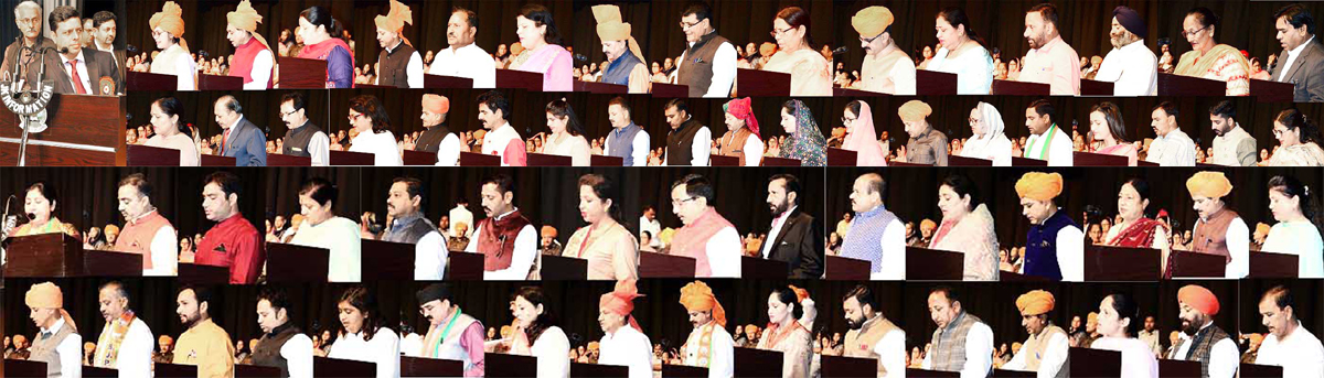 Divisional Commissioner Jammu Sanjeev Verma administering oath of office to newly elected Corporators of JMC. The Corporators of 75 wards took oath in English, Dogri, Hindi, Urdu, Punjabi and Sanskrit languages. Speaker Legislative Assembly Dr Nirmal Singh, Members of Parliament, Legislators, District Election Officer, Jammu and others were present on the occasion.