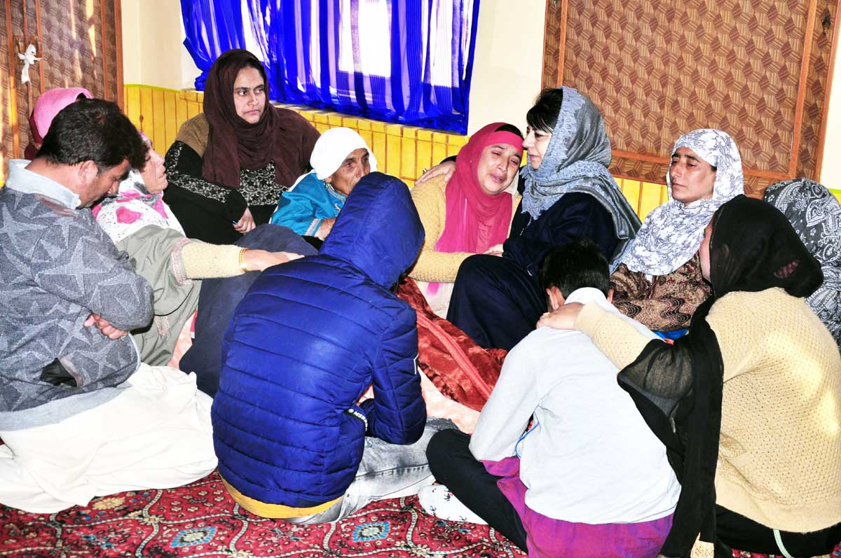 Former CM & PDP President Mehbooba Mufti consoling slain PDP worker's family on Tuesday.