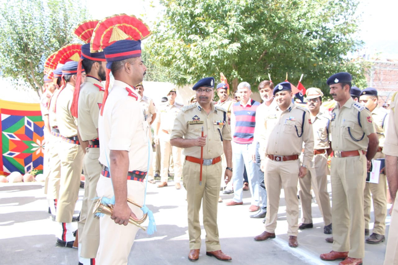 DGP Dilbag Singh interacting with police personnel at Kishtwar.