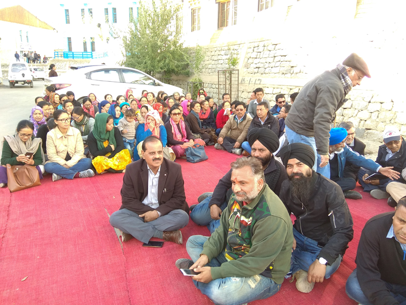 Engineers staging dharna at Leh. — Excelsior/Mourup Stanzin