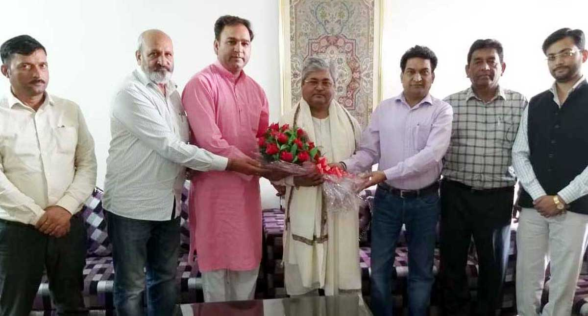 BJP State spokesperson, Balbir Ram Rattan and other leaders presenting a bouquet to party's national vice president, Dushyant Kumar Gautam at Jammu on Wednesday.
