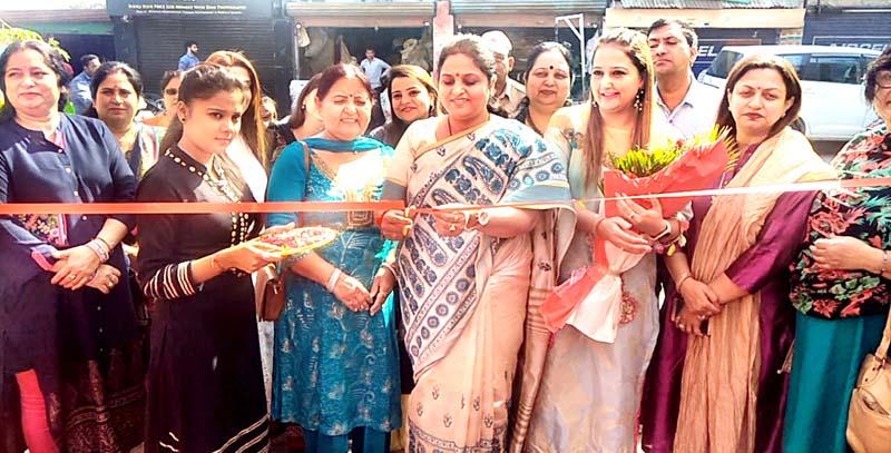 Former Minister, Priya Sethi inaugurating a ladies function at Gandhi Nagar.