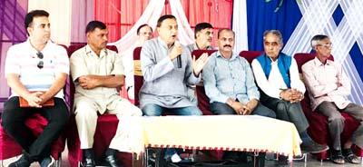 Senior Cong leader Sham Lal Sharma addressing Congress meeting at Akhnoor.