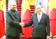President, Ram Nath Kovind meeting the Prime Minister of Vietnam, Mr. Nguyen Xuan Phuc, at the Government House, at Hanoi, in Vietnam.