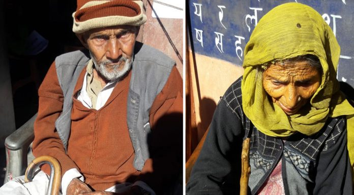 Couple aged above 100 after casting their votes in Latti block of Udhampur district on Saturday. —Excelsior/K Kumar
