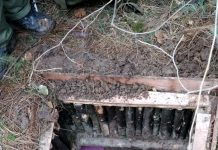 A hideout of the militants busted at Yarwan forests of Shopian on Sunday. —Excelsior/Younis Khaliq