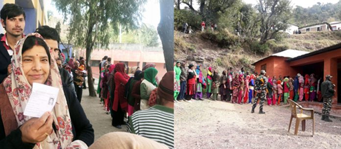 People queue up to cast votes in Reasi and Udhampur on Thursday. —Excelsior pics by Karandeep Singh & K Kumar