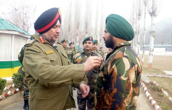 GOC-in-C Northern Command Lt Gen Ranbir Singh with Army jawans in South Kashmir on Thursday.