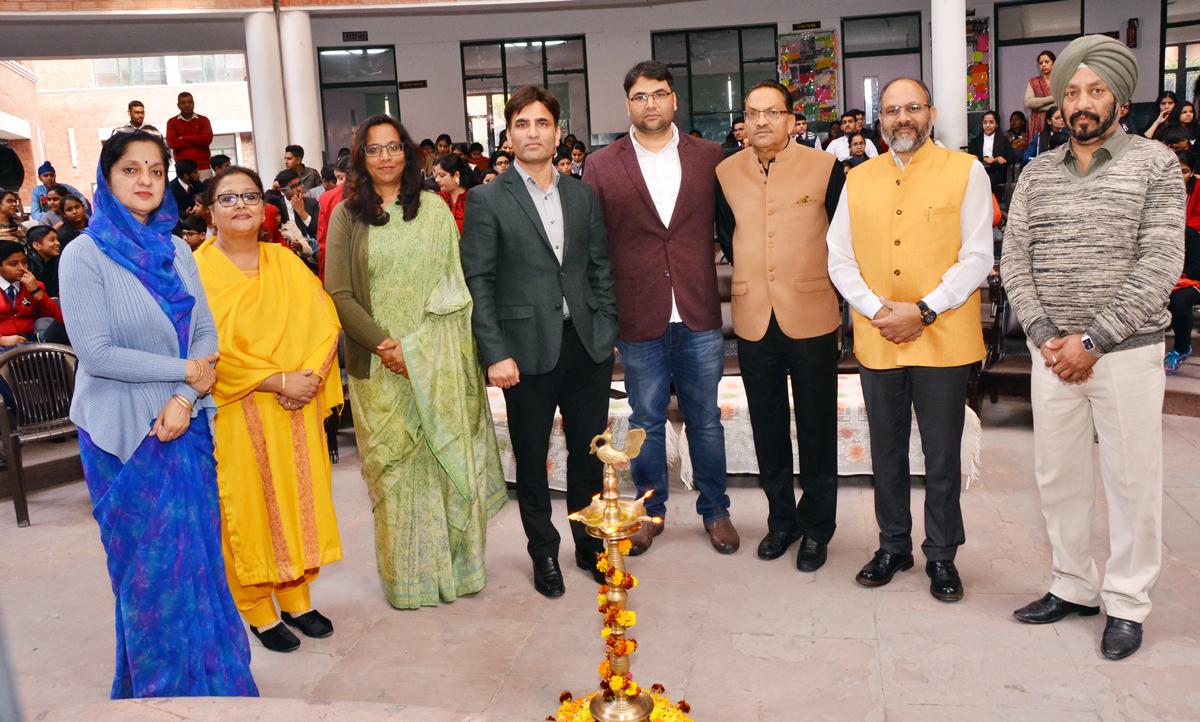 Dignitaries during inauguration of mega debating event 'Behes'.