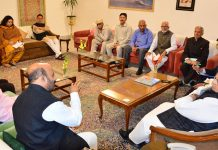 Governor Satya Pal Malik meeting a delegation from Kishtwar.