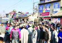 Residents of Nadir Gund locality protesting on Friday. -Excelsior/Shakeel