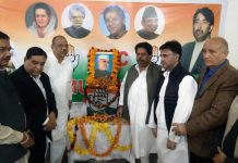 Senior Congress leaders Mula Ram, Raman Bhalla and others paying floral tributes to Ist Prime Minister of India, Pt Jawahar Lal Nehru to mark his birth anniversary in Jammu on Wednesday.
