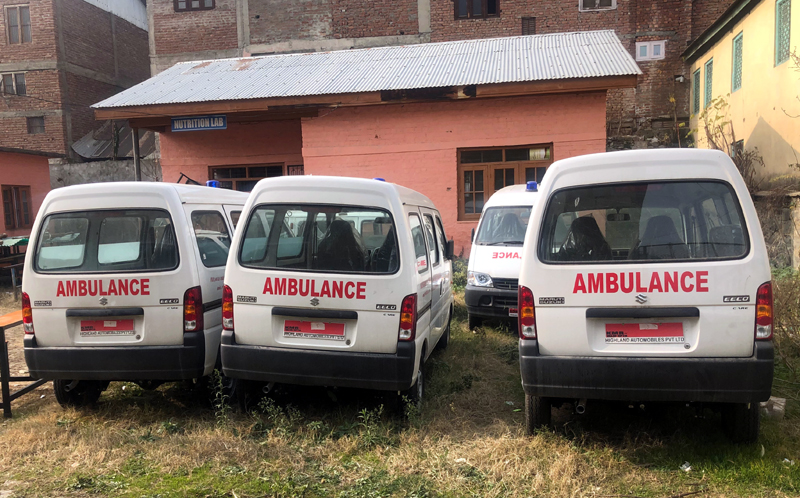 Unused ambulances lying defunct at CMO's office in North Kashmir's Baramulla district. —Excelsior/Aabid Nabi