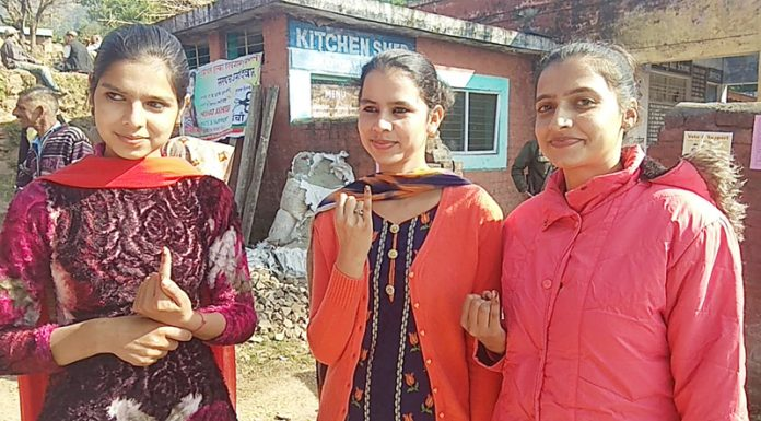 Young voters after exercising their right to franchise. —Excelsior/K Kumar