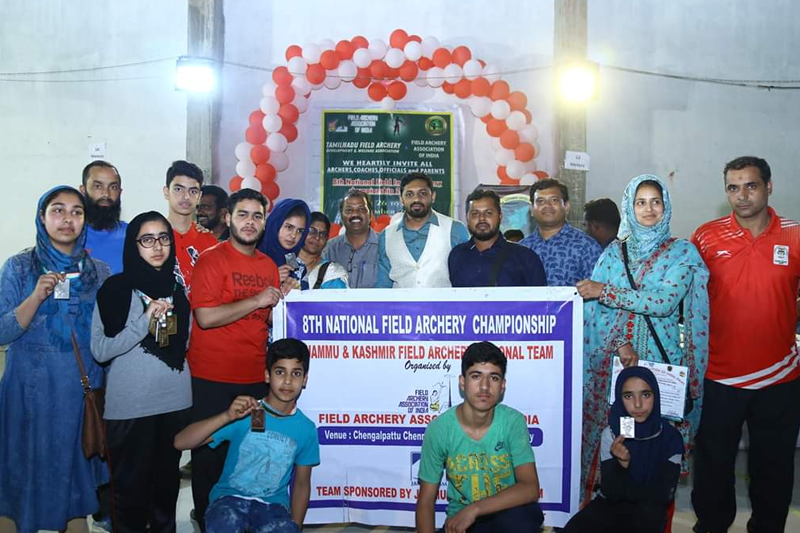 J&K Field Archery team players posing for group photograph.