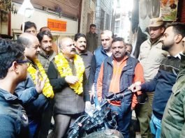BJP leaders interacting with people at Pakka Danga on Friday.