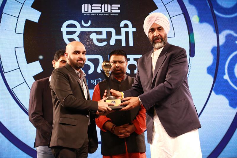 Kuntal Raj Jain, Director Duke Fashions India Limited receiving prestigious
