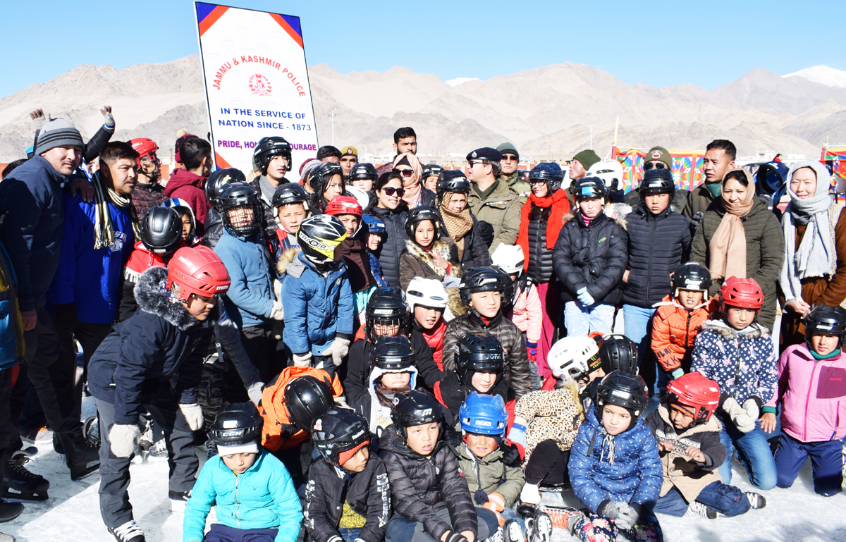 Skaters and dignitaries posing for group photograph during inauguration of ice skating coaching at Leh. -Excelsior/ Morup Stanzin