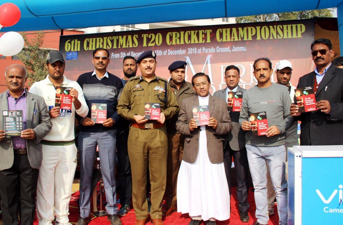 IGP Jammu, SD Singh Jamwal releasing fixture while inaugurating Christmas Cup in Jammu.