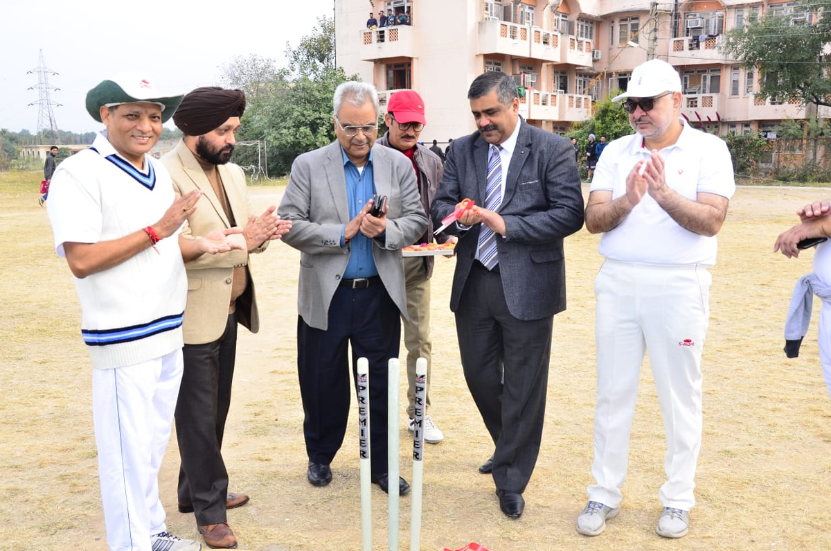 DK Batra, Joint Secretary and Dr Pavan Malhotra inaugurating Annual Sports, Academic and Cultural Meet at ASCOMS.