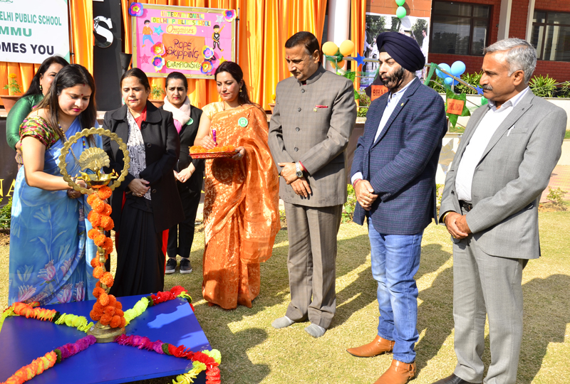 Former Minister Sham Lal Sharma, Corporator, Ward No 5 (Akhnoor), Shilpa Mahajan and other guests during opening ceremony of National Rope Skipping Championship at IDPS.